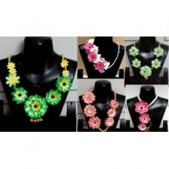 Advanced paper floral jewelry